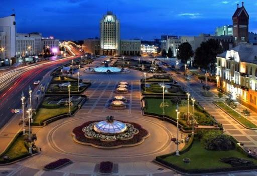 Минск, Площадь Независимости вечером